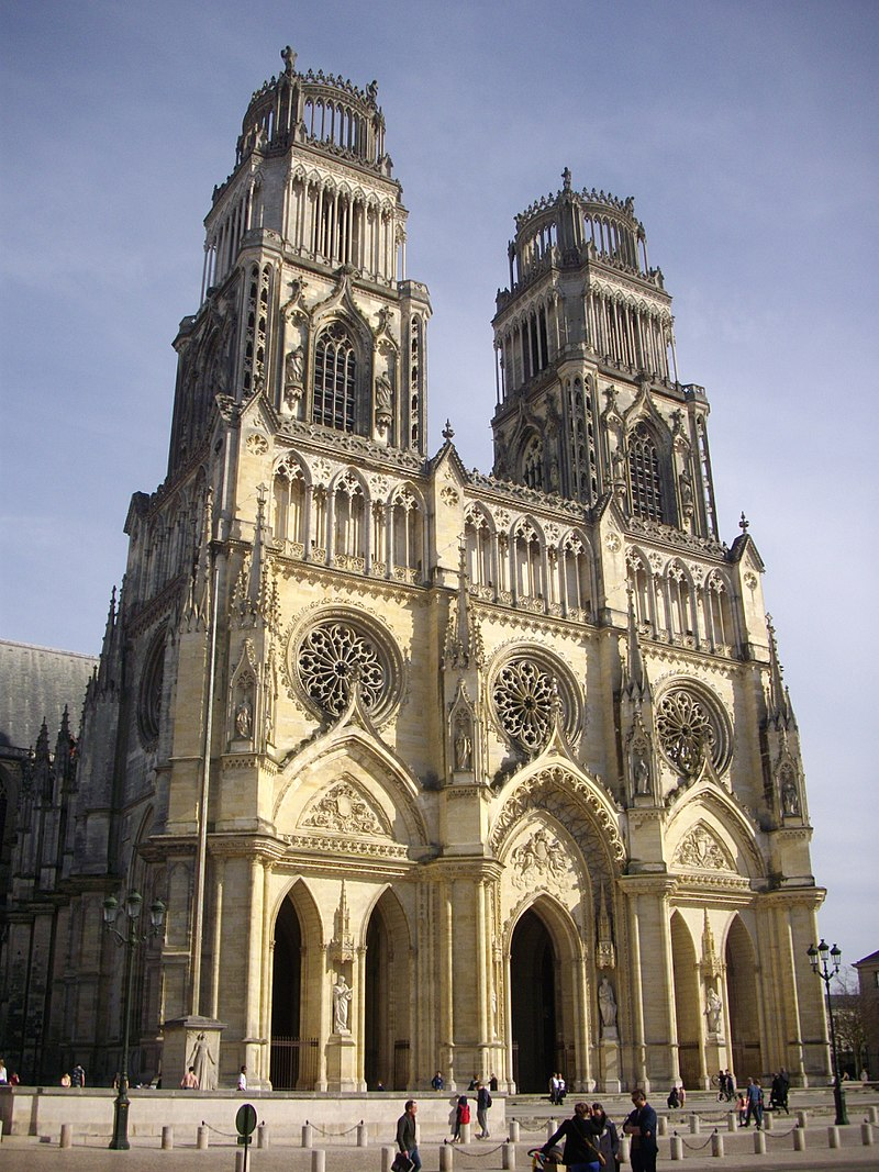 800px_Orleans_cathedrale_exterieur_18_.jpg